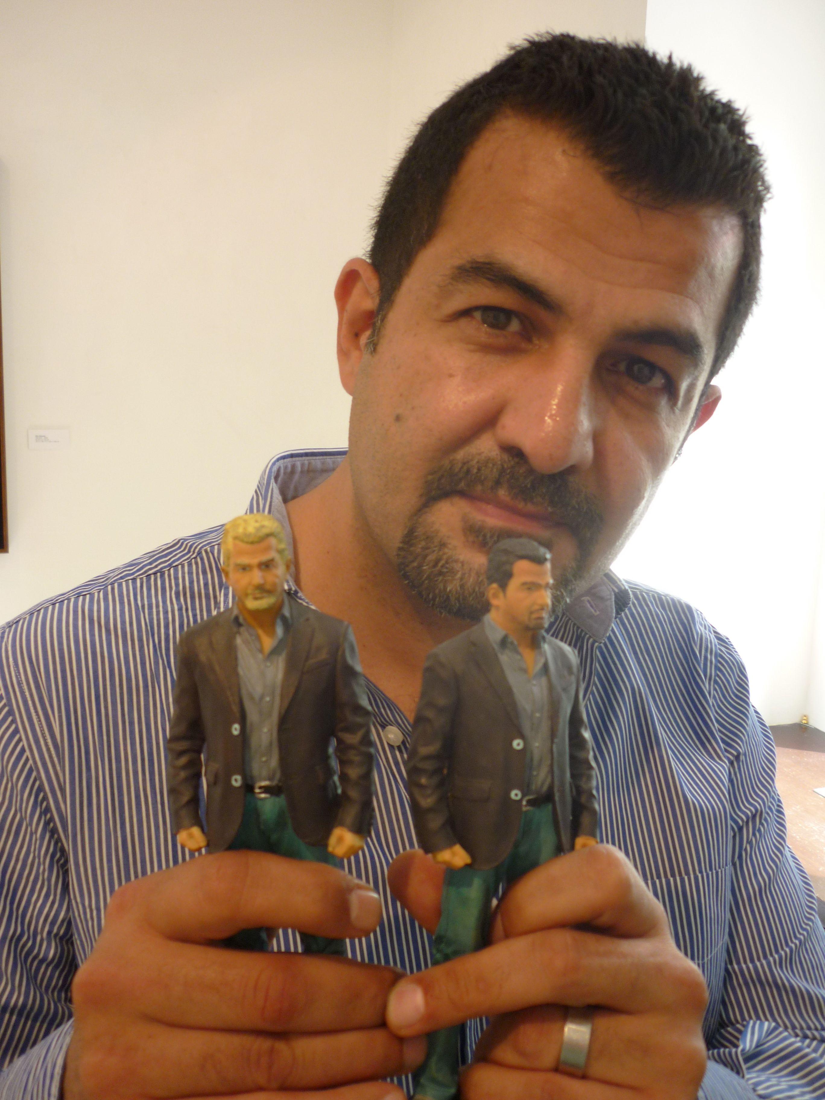 El artista iraní Mahmud Obaidi