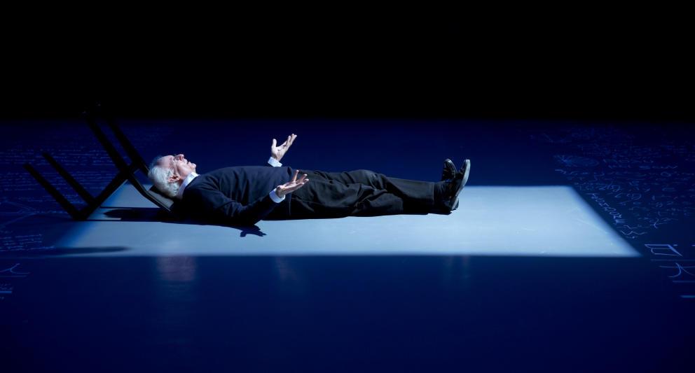 Roger Pol Droit - Performance