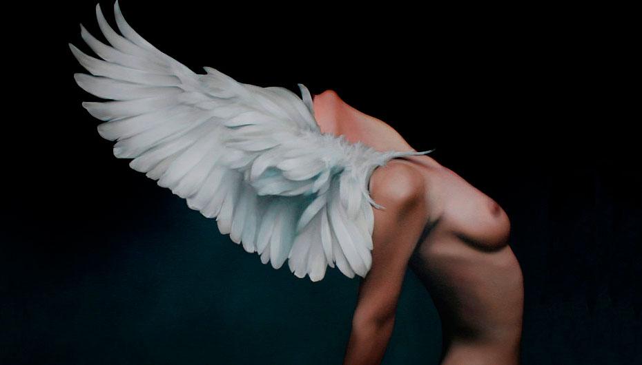 Amy Judd: las alas de la elegancia femenina