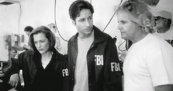 Chris-Carter-on-the-set-of-The-X-Files