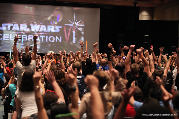 Star-Wars-Celebration-Crowd