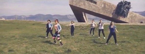 Jóvenes rusas haciendo twerking