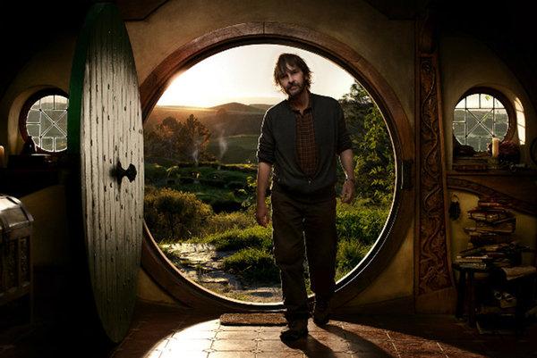 Peter-Jackson-recrea-la-casa-de-Bilbo-Bolson-en-su-sotano_landscape