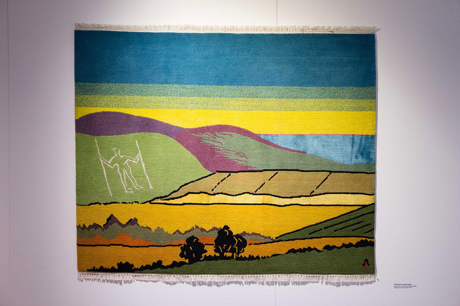 "'Chalk Giants', South Downs. De una serie de tapices edición limitada tejidos y teñidos a mano, con paisajes británicos diseñados por John Allen FRCA"""