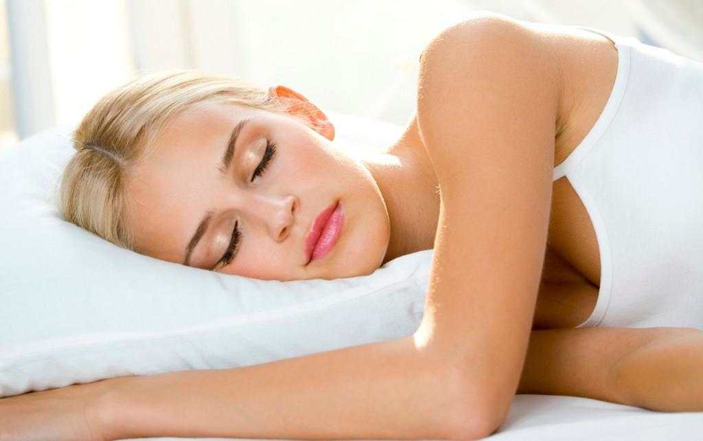 dormir-con-lentes-de-contacto-lentillas