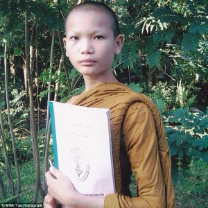 Mimi Tao en su época como budista