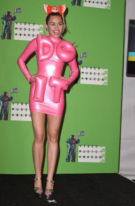 Miley-Cyrus-MTV-Music-Awards-2015
