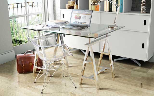 15 escritorios con caballetes para tu estudio malatinta - Mesas estudio cristal ...