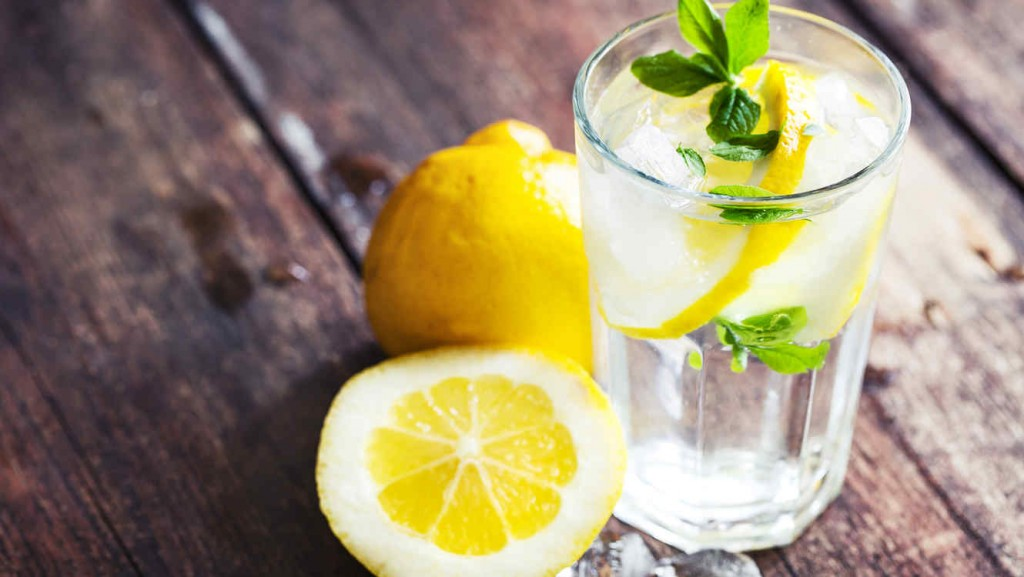 agua-con-limon-amarillo_1