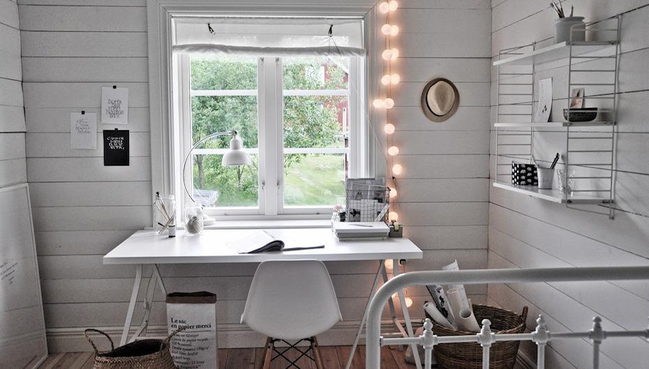 Ideas low cost para el frontal de tu escritorio for Escritorio low cost