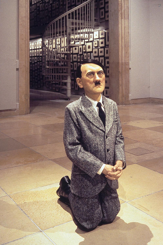 Imagen de la obra 'Him' de Maurizio Cattelan