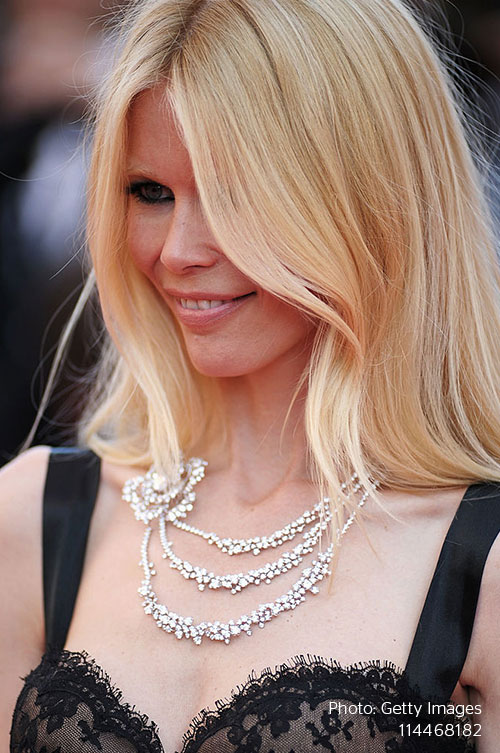 Stylight-Claudia-Schiffer-Chanel
