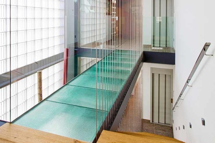 suelos-transparentes-vidrio-18-min