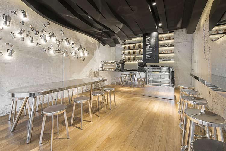 cafeterias-diseno-contemporaneo-cafe-fumi-01-min