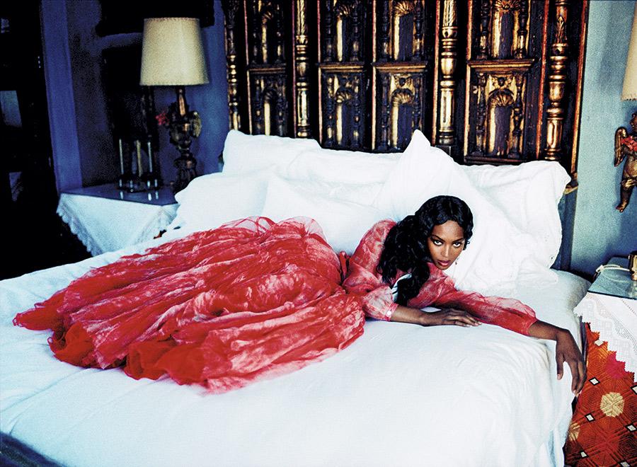 ce_naomi_campbell_ellen_von_unwerth_03.jpg Shot for Vogue, USA, March 1998. © Ellen von Unwerth