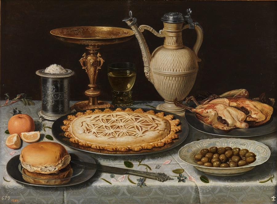 Mesa con mantel, salero, taza dorada, pastel, jarra, plato de porcelana con aceitunas y aves asadas. Clara Peeters. Óleo sobre tabla, 55 x 73 cm. c. 1611. Madrid, Museo Nacional del Prado.