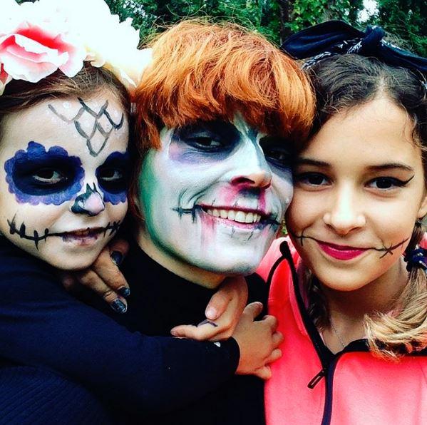 Bimba Bosé con sus hijas, June y Dora, en Instagram