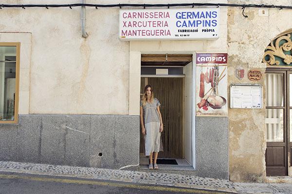Irene Peukes diseña zapatos Pla en una colección sostenible que no te dejará indiferente.
