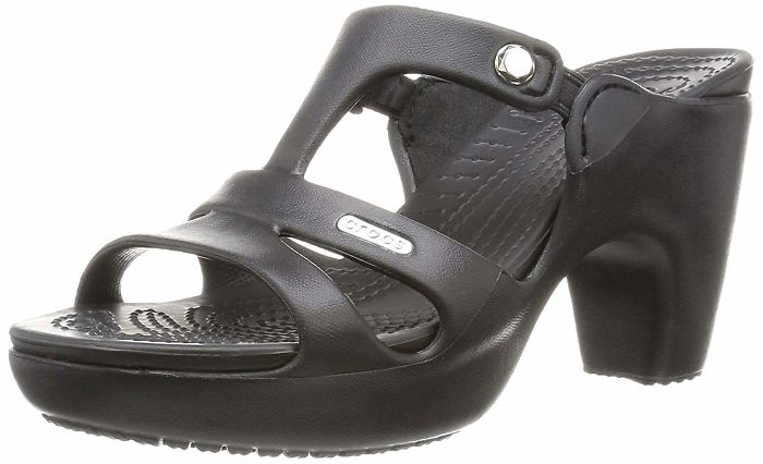 Crocs lanza unos zapatos de tacón