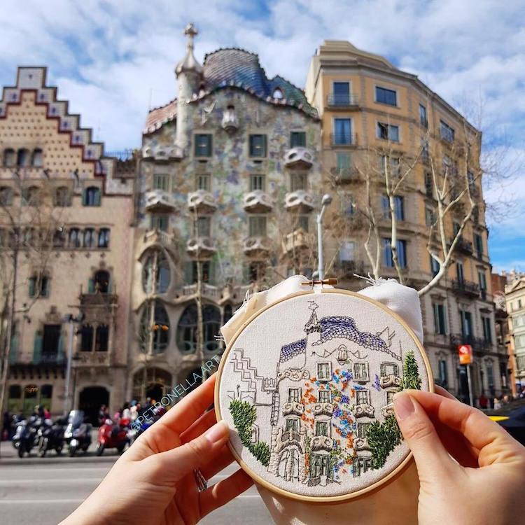 Viajes inmortalizados en forma de bordados arquitectónicos