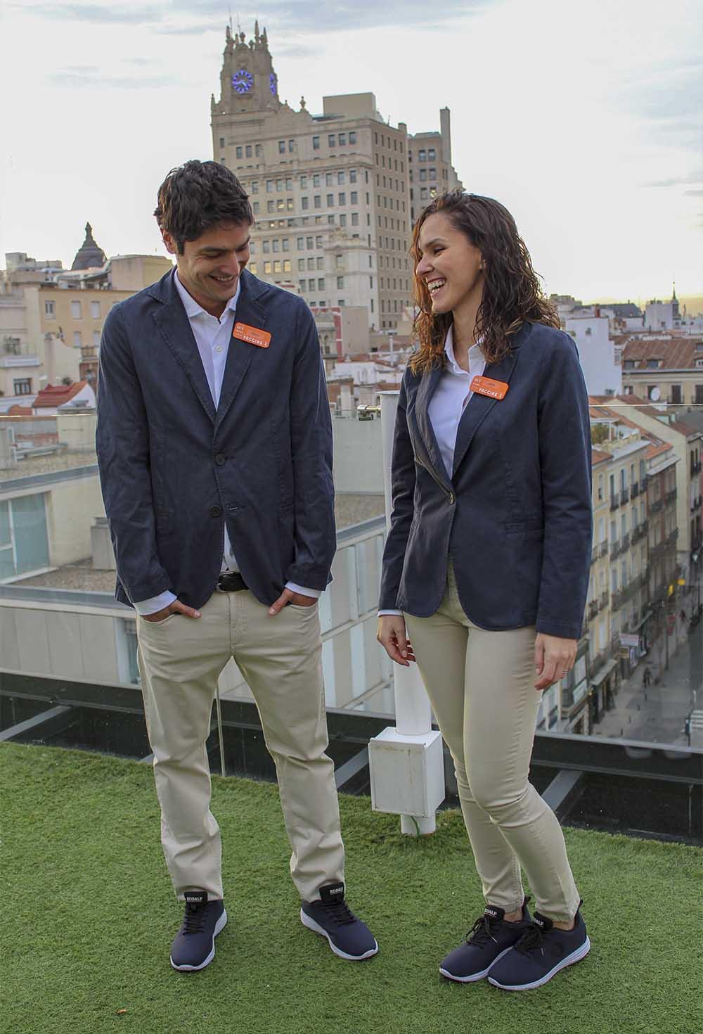 Room Mate presenta sus nuevos uniformes 100% reciclados creados exclusivamente para la cadena por Ecoalf.